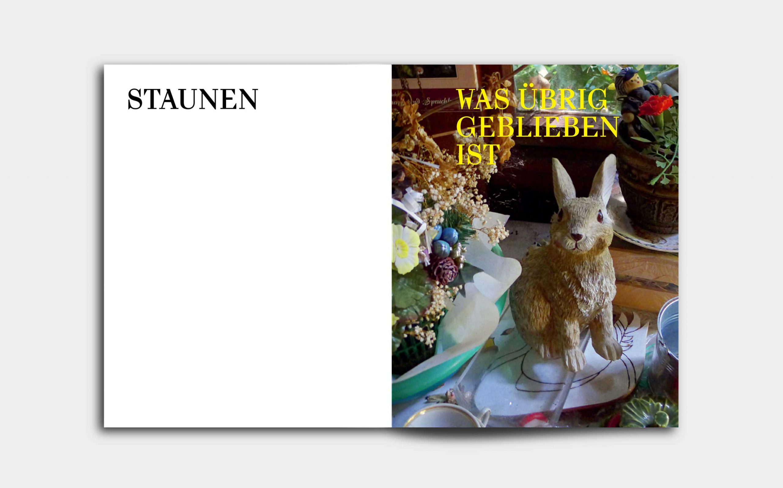 Tarek Leitner, Peter Coeln – Hilde & Gretl | Kapiteleinstieg mit Bild mit einem Deko-Hasen und Schrift auf der linken Seite | Keywords: Editorial Design, Veredelung, Artist Book, Künstlerbuch, Buchgestaltung, Grafikdesign, Design, Typografie