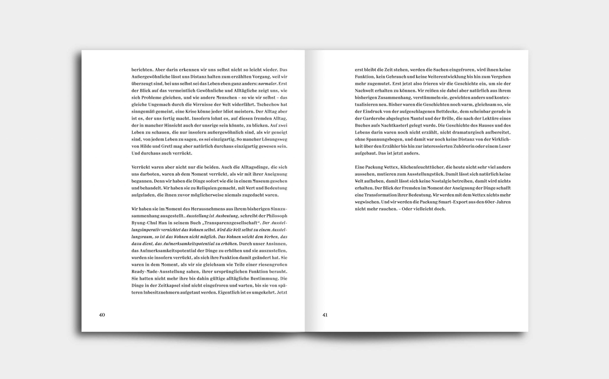 Tarek Leitner, Peter Coeln – Hilde & Gretl | Doppelseite mit symmetrischem Textsatz | Keywords: Editorial Design, Veredelung, Artist Book, Künstlerbuch, Buchgestaltung, Grafikdesign, Design, Typografie, Nippes