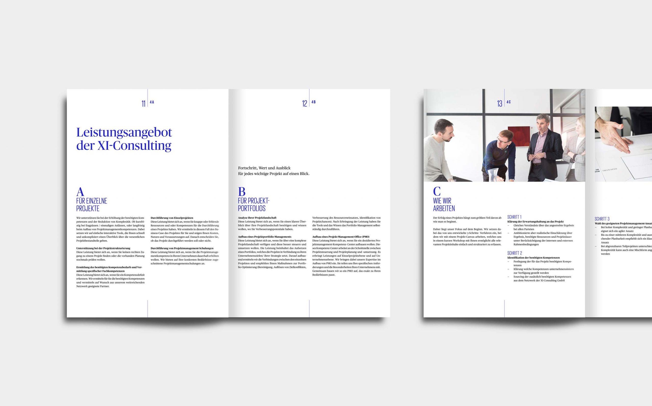 Cross Industry Consulting | Innenseiten aus dem Whitepaper mit klarem Raster und viel Weißraum, Headlines in Signalblau, Fließtext in Schwarz | Keywords: Corporate Design, Logo, Grafikdesign, Design, Typografie, Whitepaper, Strategie, Beratung